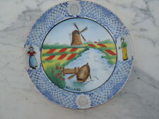 Assiette decor moulin barque personnages Souvenir de Hollande