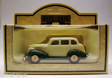 Lledo, Days Gone, Chevrolet, Ivory & Green Chevy Car, edel Metallguss.
