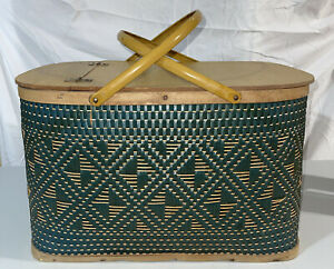 VTG Green Weave Picnic Basket Green Yellow Lunch Food Hawkeye Burlington Handles