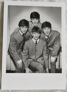 NATIONAL PORTRAIT GALLERY  POSTCARD - THE BEATLES 1963 - NEW