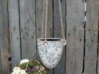 Chic Antique Hängetopf Blumenampel weiss blau Keramik Haus und Garten