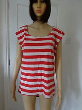 **RED STRIPED DIPPED HEM TOP**SIZE 10**
