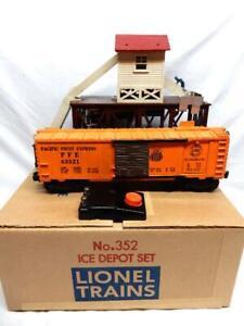 POSTWAR LIONEL No. 352 OPERATING ICE  STATION SET IN BOX, C-7 EX, WORKS FINE