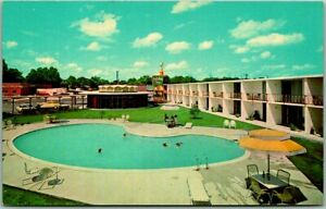 Florence, South Carolina Postcard HOLIDAY INN NORTH Pool View Route 301 c1960s