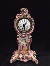 Ancienne Pendulette Pendule Horloge réveil mécanique Faience décor romantique