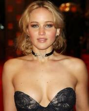 Jennifer Lawrence Looking At The Camera  8x10 Picture Celebrity Print