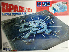 SPACE 1999 : ALPHA MOONBASE RE-ISSUE MODEL KIT MADE BY MPC IN 2014