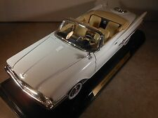 REDUCED - 1:18 1960 Chrysler 300F HEMI white convertible
