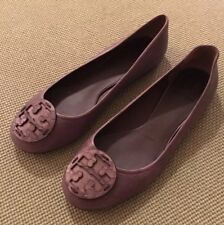 Tory Burch RARE Dark Embossed T-Logo Reva Foats Sz 8.5 Retail $250 SOLD OUT