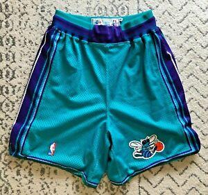 NWOT Charlotte Hornets authentic vintage Starter shorts (size: M)