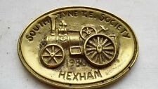 1986 SOUTH TYNE T.E. SOCIETY BRASS RALLY PLAQUE, 9.5 CM BY 6.8 CM.