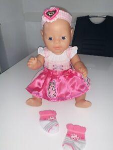 Baby Born Puppe mit hübschen Dirndl - 43 cm