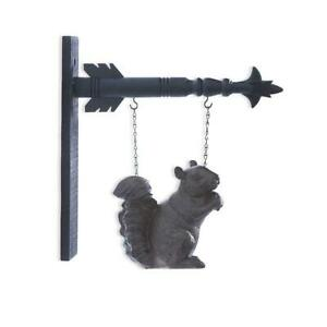 Squirrel with Nut Arrow Replacement Sign