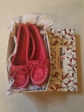 Minnetonka x Hello Kitty Pink Moccasin Shoes Sz 9 New Suede Limited Edition