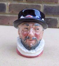Royal doulton miniature personnage pichet-beefeater