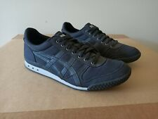 Onitsuka Tiger Ultimate 81 by Asics. Black. Size US 10. Brilliant Condition.