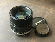 Nikon AIS 105mm F1.8 Lens F Mount
