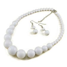 LARGE BEAD WHITE GRADUATED NECKLACE AND EARRING SET