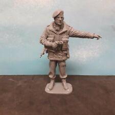 1/16 120mm WW2 BRITISH PARATROOPER C/O OFFICER