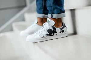 Size 8.5 Men's / Women's 10 adidas Stan Smith Mickey Mouse Shoes FW2895 White