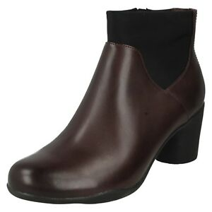 LADIES UNSTRUCTURED CLARKS SMART CASUAL LEATHER ANKLE BOOTS UN ROSA MID SIZES