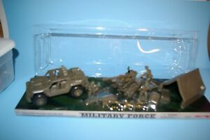 1:32 Modern plastic soldiers with vehicle, artillery, and accessories