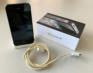 Apple iPhone 4 - 8GB - Black - Power Chord + Charging Stand GREAT! L👀K!