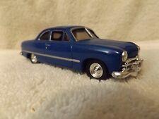 Vintage Pressofuso 1949 Ford Tudor 2 Porta 11.4cm lungo 1:43 Scala Molto Carino