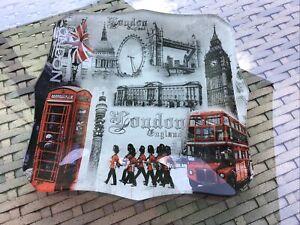 "BNWT souvenir London England Square Glass Plate,Decoration With London Scenes 8"""