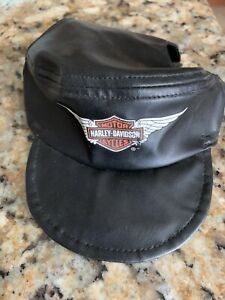 "Harley-Davidson Winged Bar & Shield Pet Cap Black Vinyl Size Medium 5"" Opening"