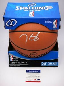 KEVIN DURANT PSA/DNA SIGNED OFFICIAL NBA LEATHER GAME BASKETBALL AUTOGRAPHED.
