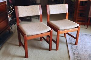 MCM D-Scan Pair of 2 d-SCAN Mid Century Danish Modern Solid Teak Dining Chairs