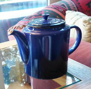 Le Creuset Grand Teapot Blue, 1.5 quart Stoneware (NIB) 1.5 quarts