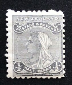 New Zealand Stamp 1882 SSF 1/2d Black - Mint Hinged
