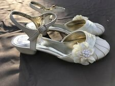 Shoes Girls Dress  Kenneth Cole Reaction Ivory  NEW Little Girls Size 10