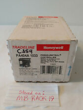 """Honeywell PA404A 1033 Pressuretrol Controller 0.5 To 9psi 1/4"""""""