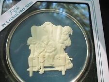"1984 Norman Rockwell Christmas Keepsake disc, 5th in series,""Caught Napping"""