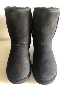 Classic Short Black Ugg Australia Boot Size 5.5