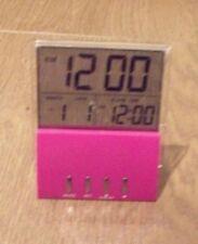 Sveglie e radiosveglie rosa con display digitale in plastica