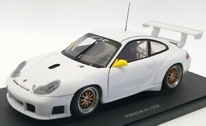 Autoart 1/18 Scale 77822 - Porsche 911 GT3R Upgraded Version - White