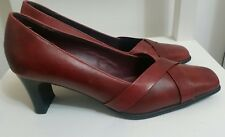 CLARKS Womens Court Shoes Sz 4.5 Leather Cushion Soft Office Career Red Burgundy