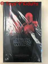 Hot Toys MMS 453 Star Wars The Last Jedi Praetorian Guard With Heavy Blade NEW