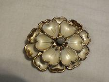 Beautiful Brooch Pin Brass Tone Textured Flowers Cram Enamel Bead Center Vintage