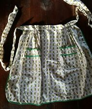 "Vintage Apron ~ Green Peppermills ~ Lap ~ 21"""