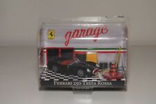V 1:43 BBURAGO BURAGO RACE&PLAY GARAGE FERRARI 250 TESTA ROSSA BLACK DIORAMA MIB