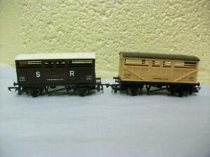 10t Sheep/Cattle Wagon 51915 x 2 By Tri-ang/Hornby No R.106/R.104 '00' Light Use