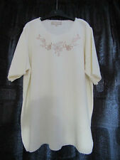 DAXON LADIES TOP IN CREAM SIZE 20.