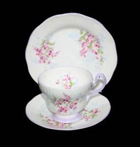 Vintage Queen's ROSINA England lilac and fuchsia pretty teacup trio