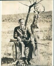 1941 Paralyzed Hunter G Coate of Big Spring TX With Kill of Deer Press Photo