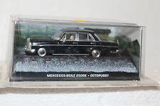 James Bond 007 Mercedes Benz 250SE Octopussy Diorama